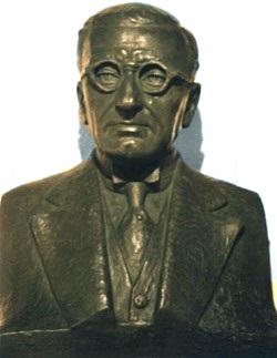 Imagen de la escultura de Pedro Paulet