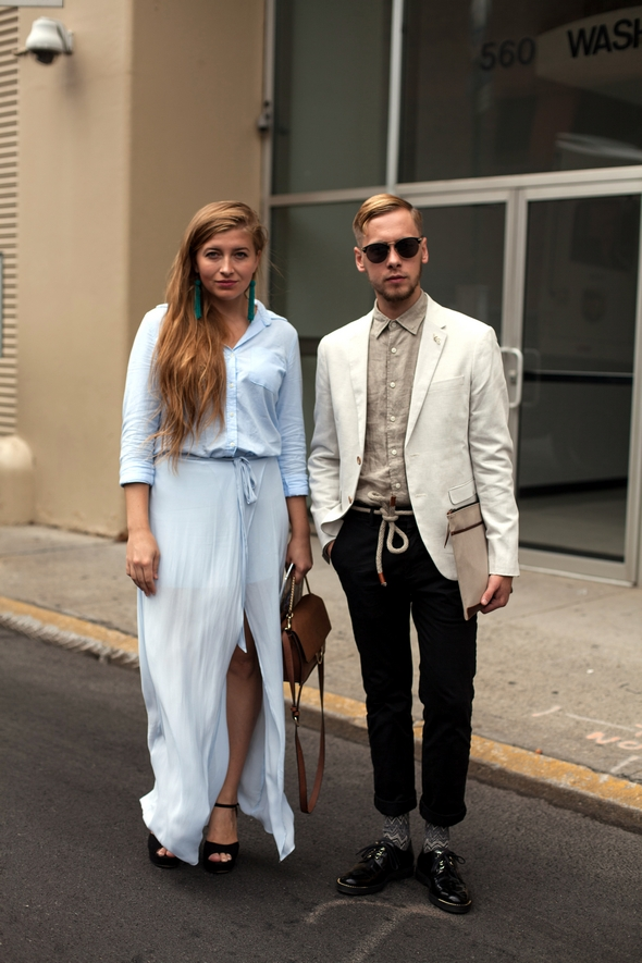 new york street style couples womens street style mens street style light blue skirt and dress shirt teal earrings tan shirt tan coat with black pants and shoes new york street style the stylepreneur 2016