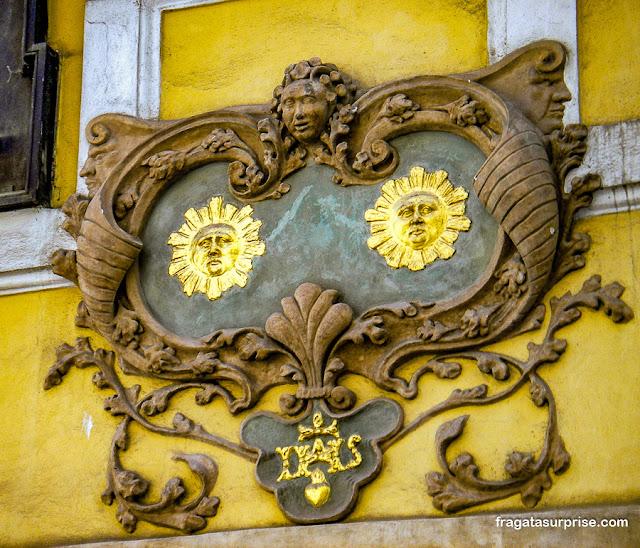 Casa dos Dois Sóis, Rua Nerudova, Praga
