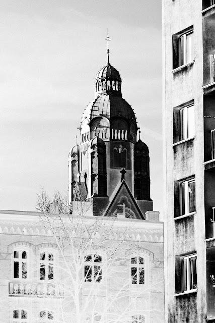 Kościół pw. św. Pawła Apostoła, Ruda Śląska, Nowy Bytom. Fotografia krajobrazu. Koncept. Solaryzacja. fot. Łukasz Cyrus