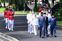 Jokowi Lantik Mahyeldi - Audy Joinaldy, Ansar Ahmad - Marlin Agustina dan Rohidin Mersyah - Rosjonsyah Sebagai Kepala Daerah