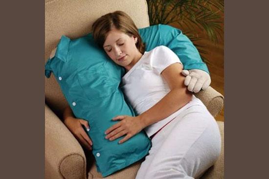 Invenções mais interessantes do mundo - Travesseiro abrace-me