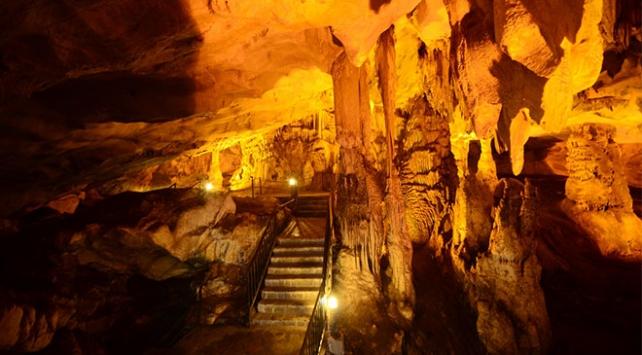 Kırklareli Şehrinde Bulunan Dupnisa Mağarası
