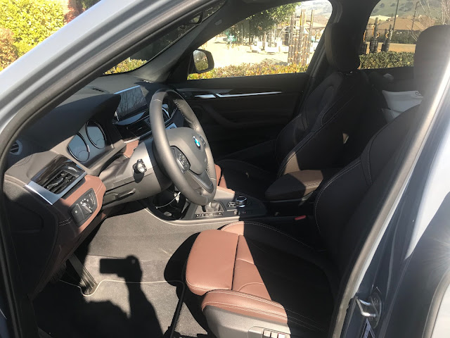 Front seats in 2020 BMW X1 xDrive 28i