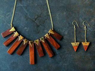 souvenir-aksesori-perhiasan-kayu.jpg