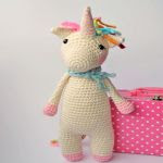 https://translate.google.es/translate?hl=es&sl=en&tl=es&u=http%3A%2F%2Fblog.hobbycraft.co.uk%2Ftwinkle-toes-the-unicorn-crochet-pattern%2F