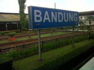 Karawang Segera Keluarkan Izin Lokasi KA Cepat Jakarta - Bandung