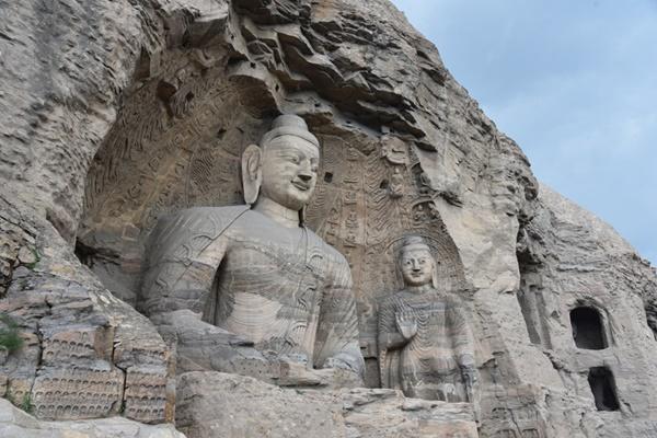 ถ้ำผาอวิ๋นกัง (Yungang Grottoes: 云岗石窟)