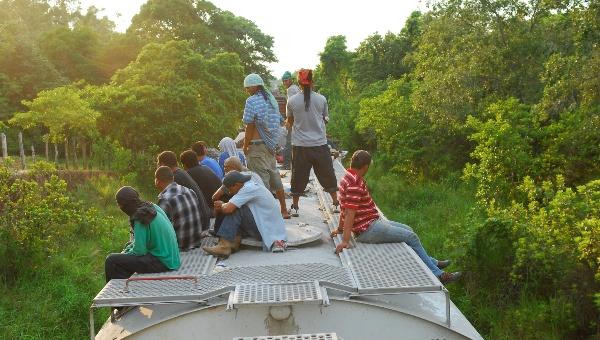 Centroamericanos migran a EE.UU. por la violencia no por dinero