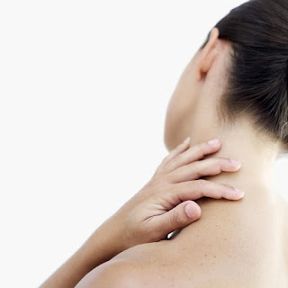 6 Common Symptoms of Neck Pain