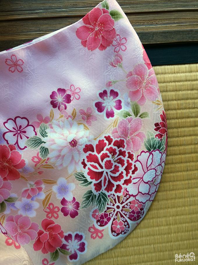 Motifs kimono de printemps, fleurs de cerisiers