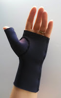 http://www.sewingbeefabrics.co.uk/DIY-neoprene-thumb-splint
