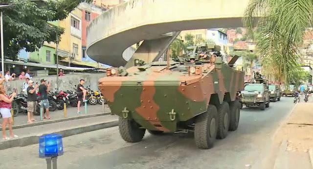 Equipes  militares chegaram por volta das 15h30 desta sexta-feira ( 22) à Rocinha, horas após o anúncio do reforço anunciado pelas autoridades de segurança.