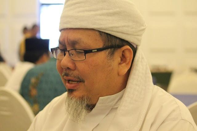 Profil Dan Biodata KH. Tengku Zulkarnain