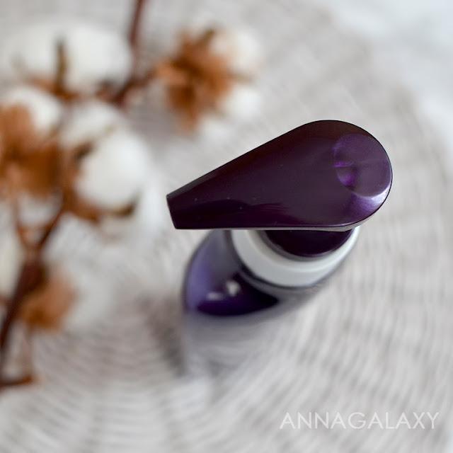 Шампунь от выпадения волос Daeng Gi Meo Ri Vitalizing Shampoo имеет удобную помпу-дозатор