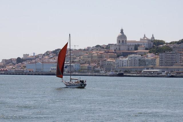 Lisbona vista dal fiume Tejo-Crociera-Lisbona