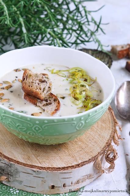 zupa, obiad, ser, zupa serowa, ementaler, gorgonzola, blue, bernika, kulinarny pamietnik