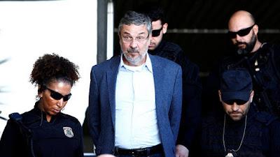 BC bloqueia R$ 30 milhões de empresa de Palocci