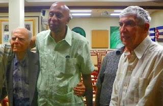 Fariñas (cent.) con Hubert Matos y Posada Carriles