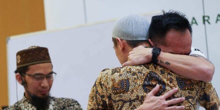 Hadist Bukhari Buka Pintu Damai Ust Felix Siauw dengan Sang Kakak
