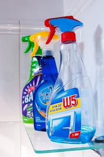 Jenis dan karakteristik bahan pembersih Laundry