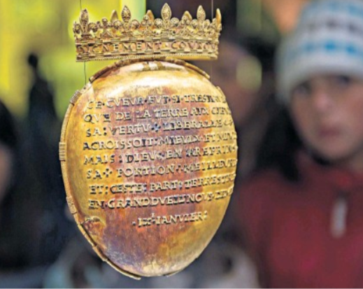 Gold case containing the 'heart' of the only woman to ever be crowned queen of France has been stolen
