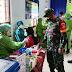 Babinsa Dan Bhabinkamtibmas Karangdowo Bantu Kelancaran Vaksinasi Lansia