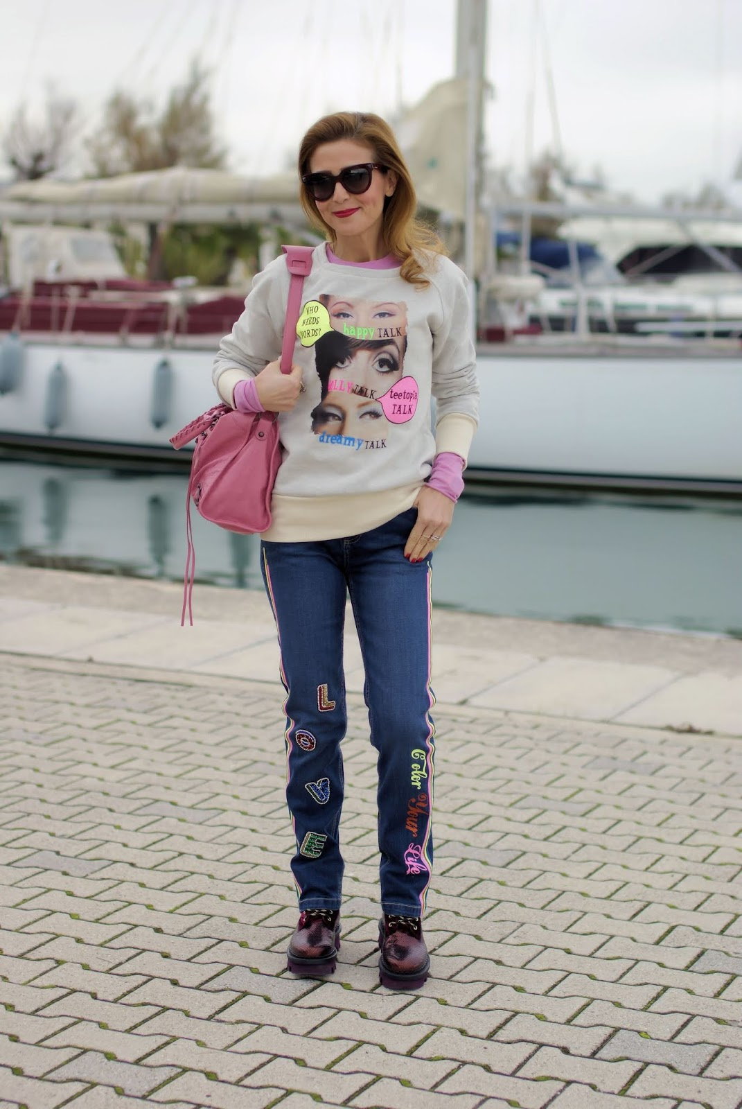 felpa e jeans vintage con applicazioni Teetopia su Fashion and Cookies fashion blog, fashion blogger style