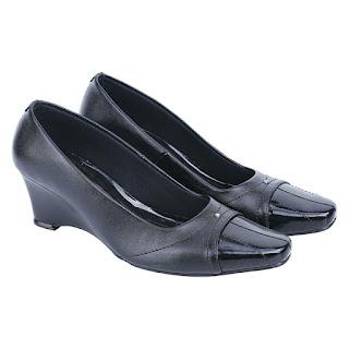 Sepatu Pantofel Wanita Catenzo ND 026