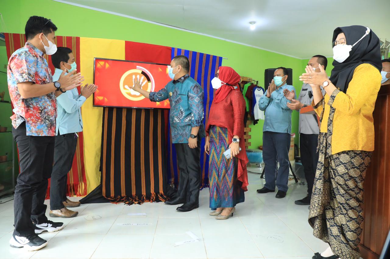 Virtual launcing Gerakan Belanja Produk UMKM ditandai dg finger scan oleh Wakil Bupati Luwu Timur disaksikan Kemenkop UKM, Kementerian Desa&PDTT, Pemrov Sulsel, manajemen PT Vale dan Asosiasi UKM Mutiara Timur Sulawesi Selatan