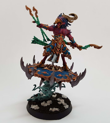 Tzaangor Enlightened from Warhammer 40k, Thousand Sons or Tzaangor Skyfires from Age of Sigmar, Disciples of Tzeentch.