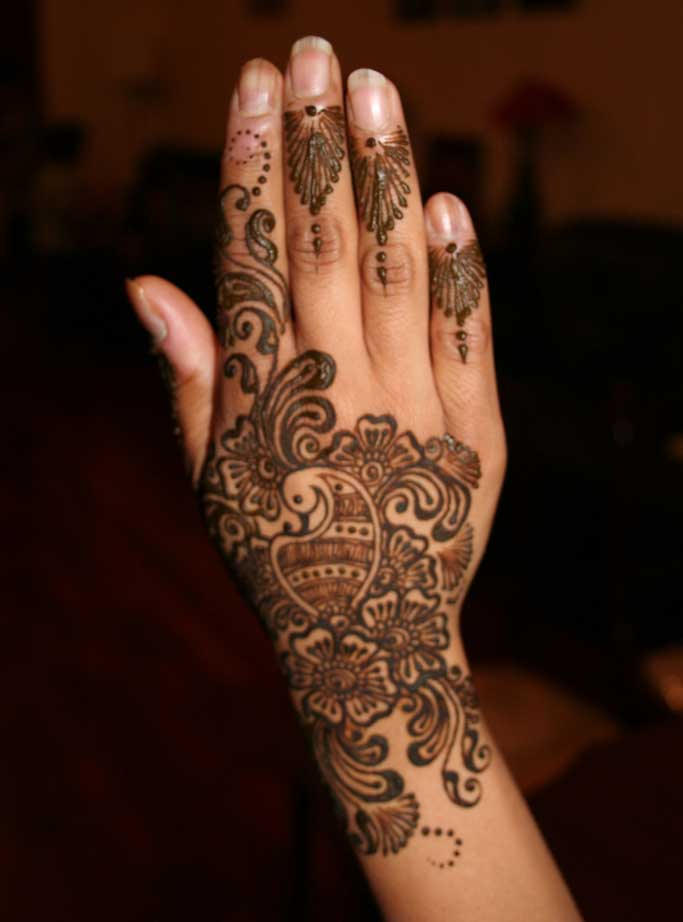 Henna Designs For Women: Simple Mehndi Designs For Girls