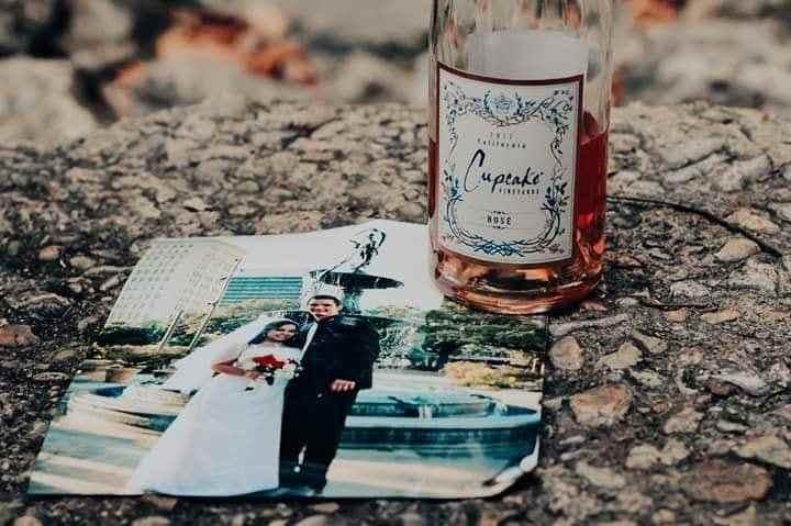 Divorce Photo shoot Goes Viral 76