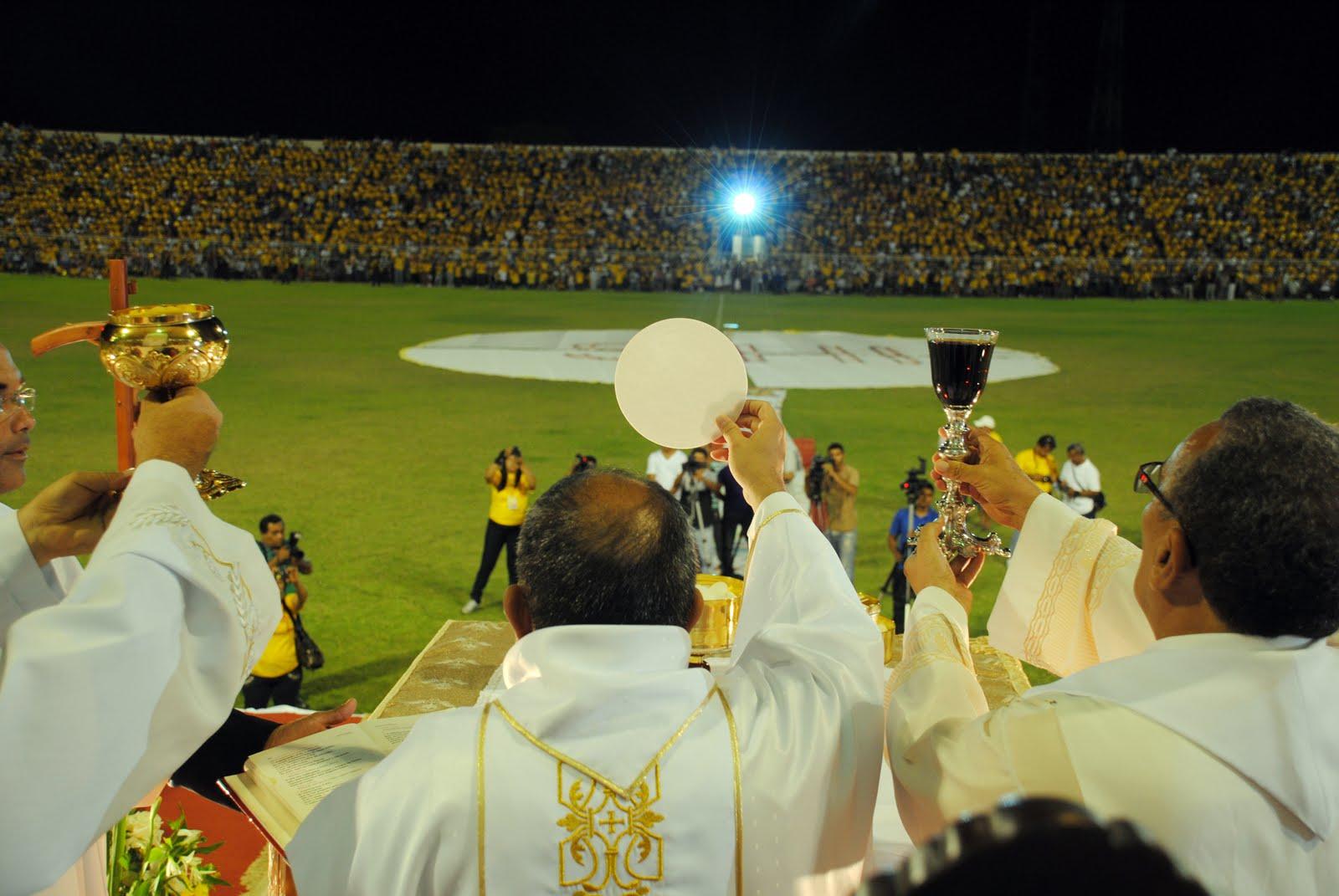 """DIOCESE DE IMPERATRIZ - MARANHÃO - Regional Nordeste V - """"Venha o teu Reino!"""": Diocese de Imperatriz celebra Festa de Corpus Christi"""