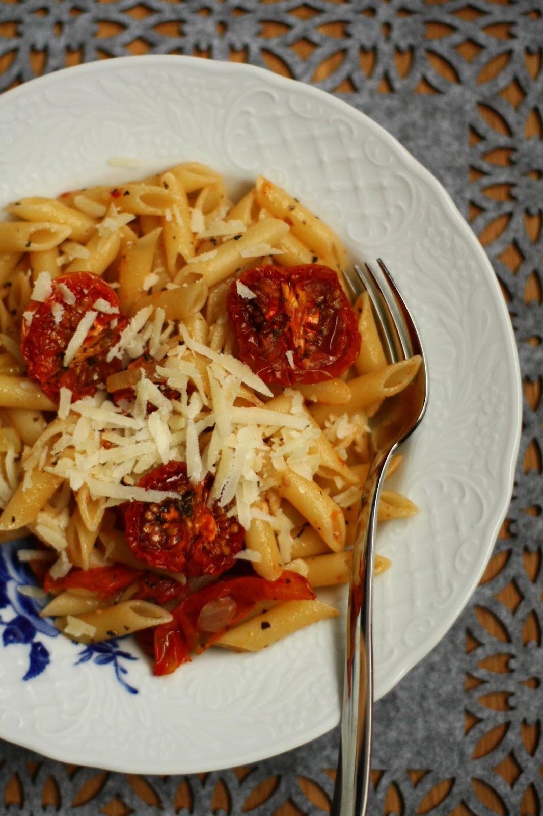 uunitomaattipasta mallaspulla tomaatti pasta