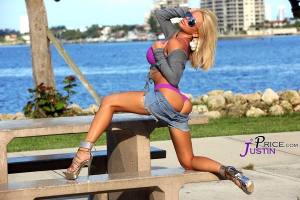 Heather graham, boyfriend tyler harcott rock hot bodies on beach