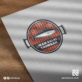 Desain Logo Ikan Salai YahNgah