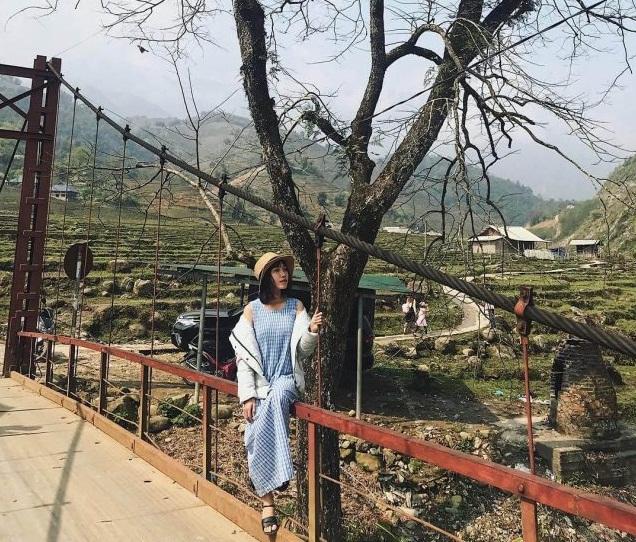 Cây cầu sắt dẫn vào Tả Van