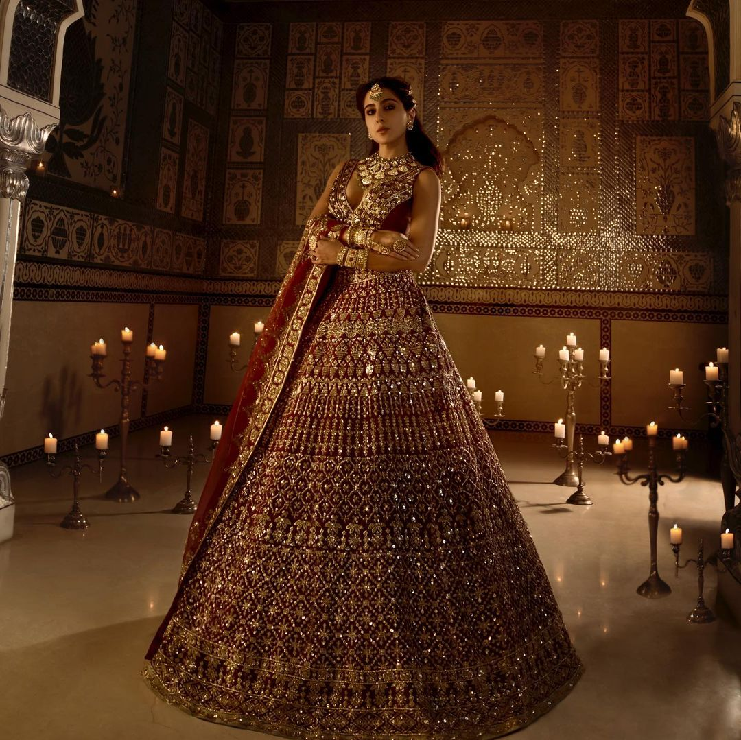"""Pic of the day: """"Any marriage proposals?"""" asks Sara Ali Khan as she decks up in the bridal avatar"""
