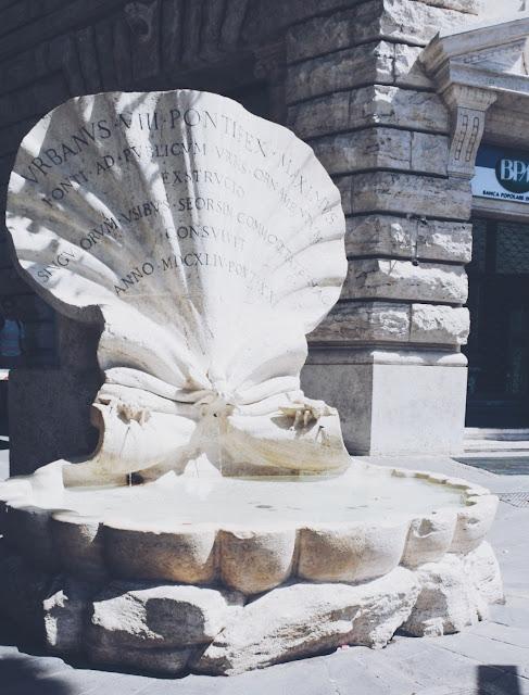 simpukkasuihkulähde Rooma