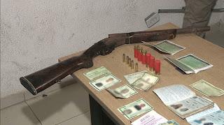 Três pessoas são presas suspeitas de tráfico de drogas em João Pessoa