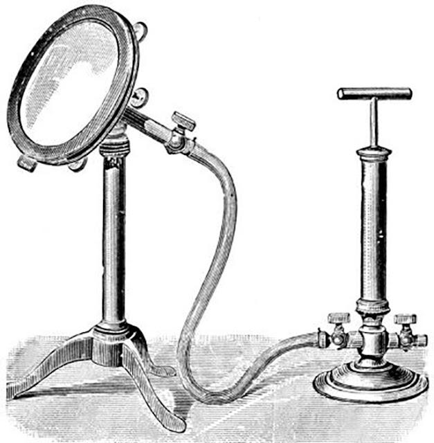 Estudiosos ocidentais tentaram reproduzir o efeito de um antigo espelho mágico oriental usando um compressor