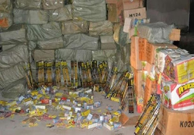 إحباط محاولة تهريب 42.5 طن ألعاب نارية بالأسكندرية