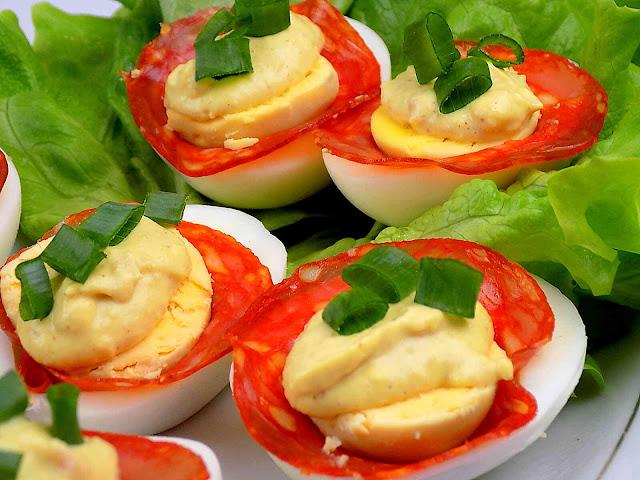 Jajka z chorizo