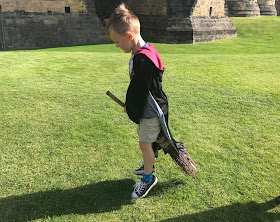 broomstick lesson at alnwick castle