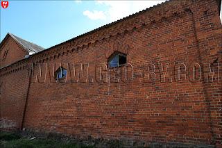 Усадьба Рейтанов. Стена конюшни