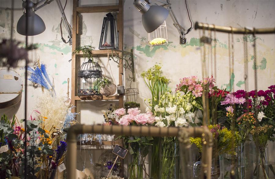 Madrid tienda barrio letras flores