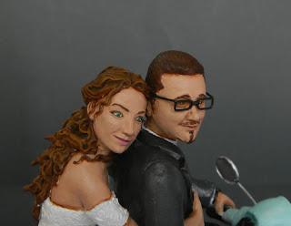 statuette personalizzate statuine ritratti cake topper lombardia orme magiche