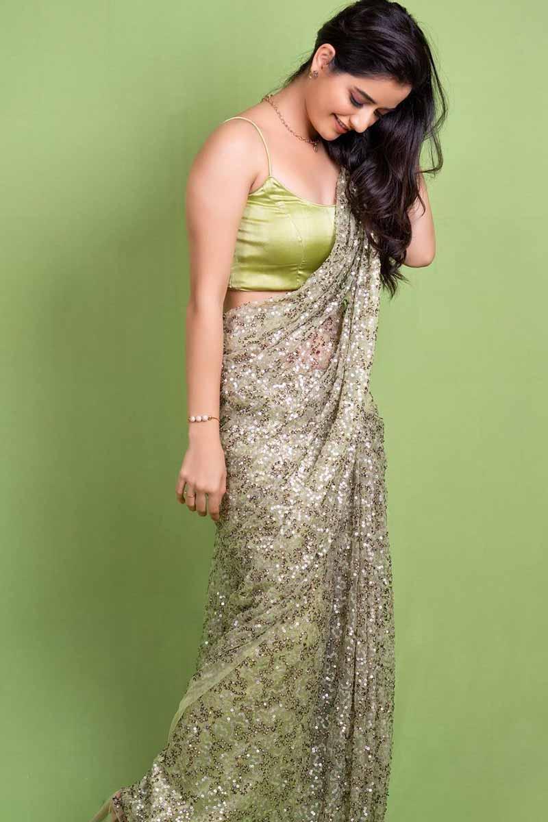 Actress Ashika Ranganath Latest Hot Photos in Saree