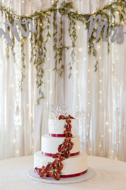 Cake and decor at Shenandoah Mill by Micah Carling Photography